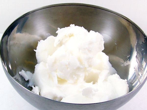 place foaming bath butter in bowl