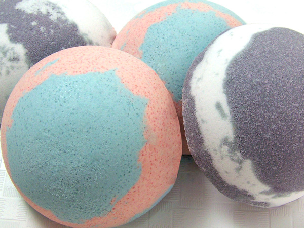 multi colored bath bombs