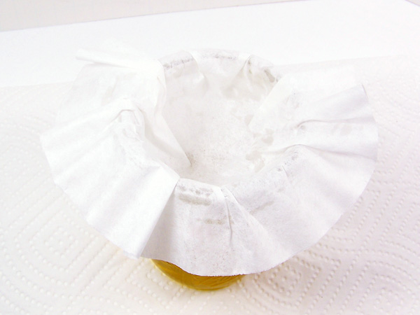 place coffee filter on jar