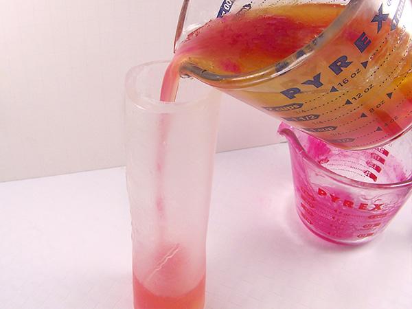 pour 2 color soap into soap roll
