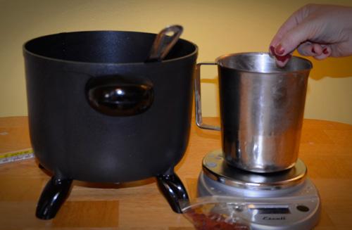 add candle dye