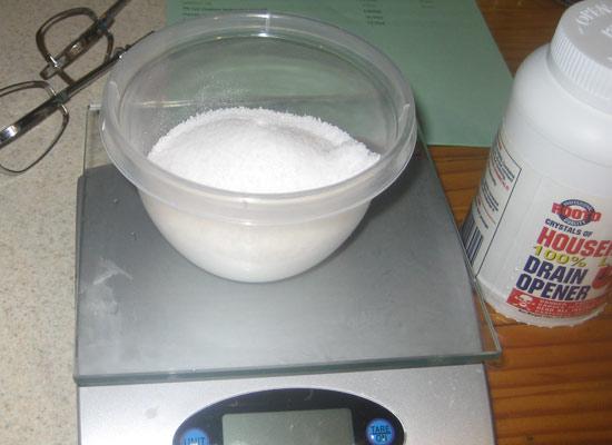 add lye to liquids